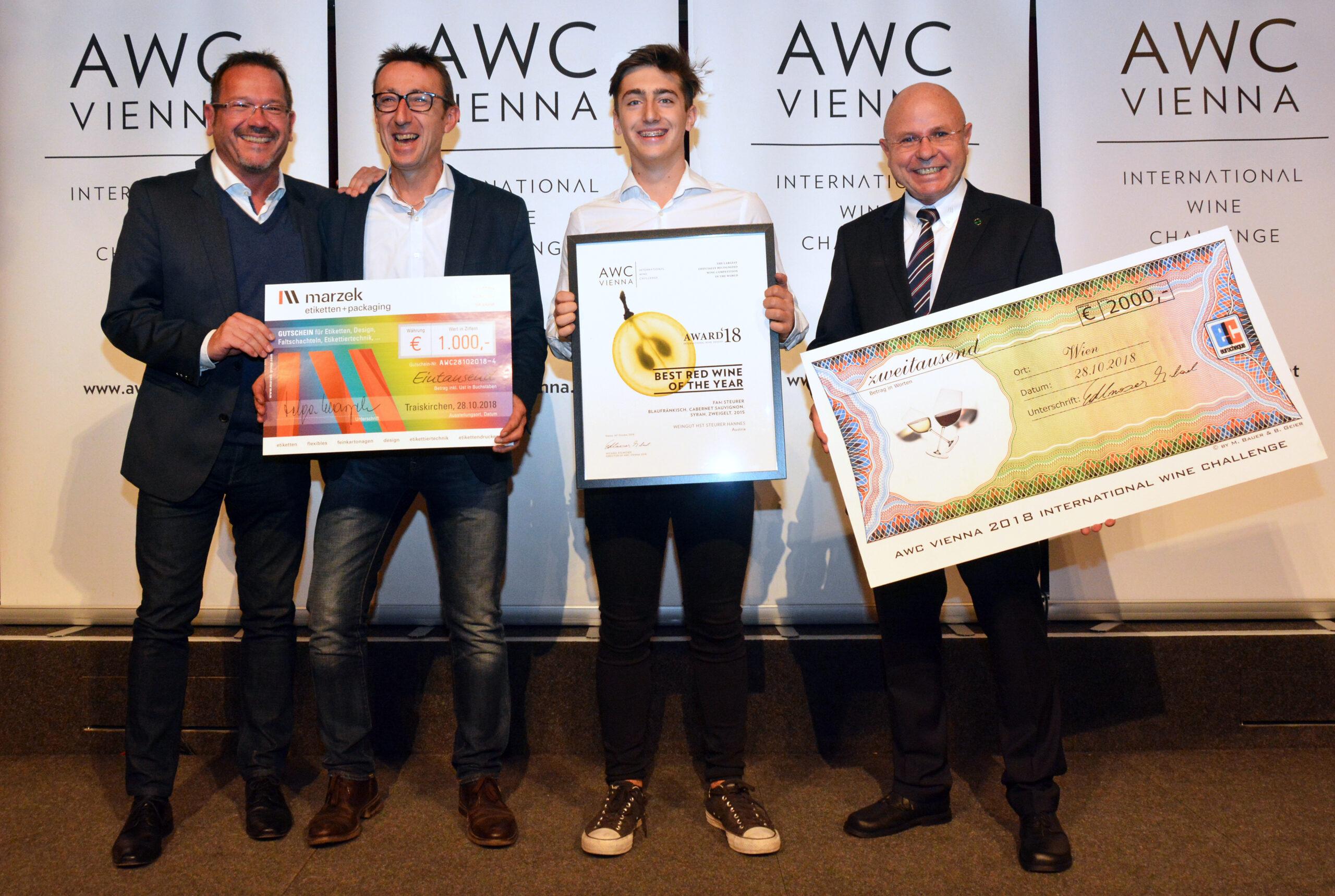 Weingut HST Hannes Steurer: Wir sind AWC Trophy-Sieger 2018 mit FAM STEURER, Foto: Maria Steurer-Haltschuster